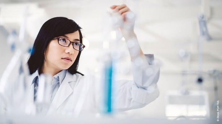 Pharmaindustrie: So können Sie Verunreinigungen in Lösungsmitteln vermeiden