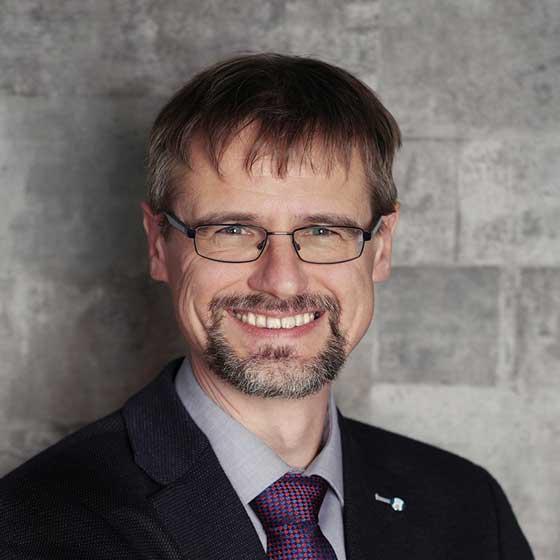 Interview-Experte: Dr. Henning Wartig